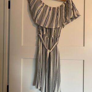 Off the shoulder dress with pockets
